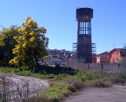 Demolición de depósito de hormigón